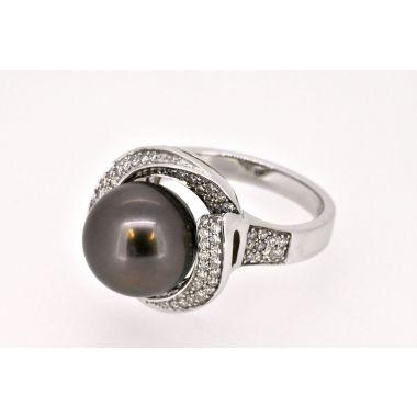 Black Tahiti Pearl & Diamond 18ct Ring